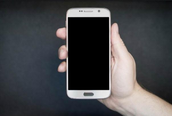 Por qué tu celular se APAGA aunque tenga suficiente batería?